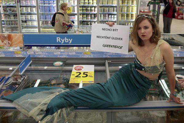 sem13decg-Z1-Une-sirene-au-supermarche-Tchequie.jpg