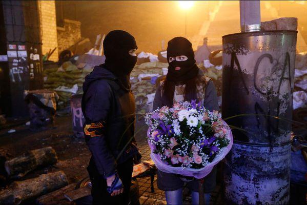 sem14fevg-Z7-Saint-Valentin-dans-les-decombres-Kiev-Ukraine.jpg