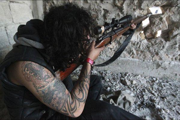 sem14fevk-Z12-Le-tireur-tatoue-Alep-Syrie.jpg