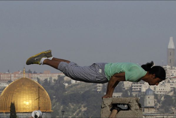 sem14fevk-Z7-Epreuve-de-force-Parkour-Jerusalem-copie-1.jpg