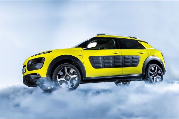 sem14marc-Z21-citroen-sort-son-as-de-pique-c4-cactus.jpg