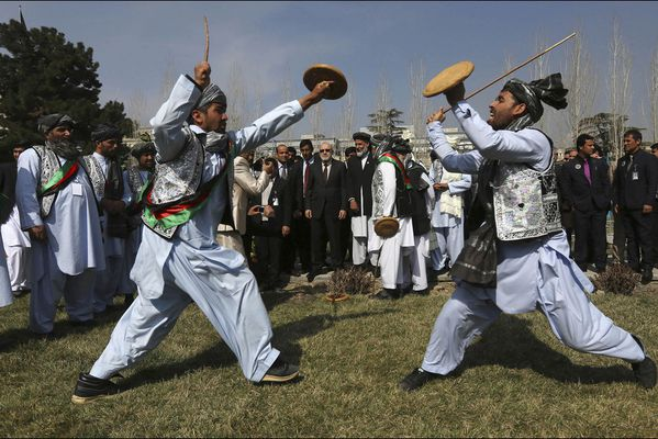 sem14marl-Z11-Combat-traditionel-Afghanistan-nouvel-an-pers.jpg