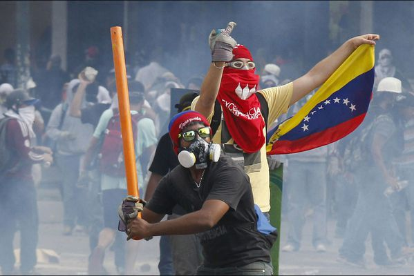 sem14avrb-Z5-La-lutte-continue-caracas-Venezuela.jpg