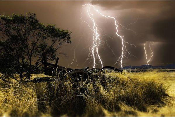 sem14avrf-Z10-chasseur-d-orages-australie.jpg