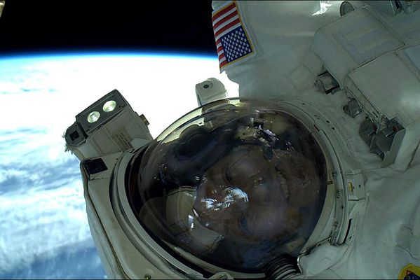sem14avrm-Z7-Selfie-spatial.jpg