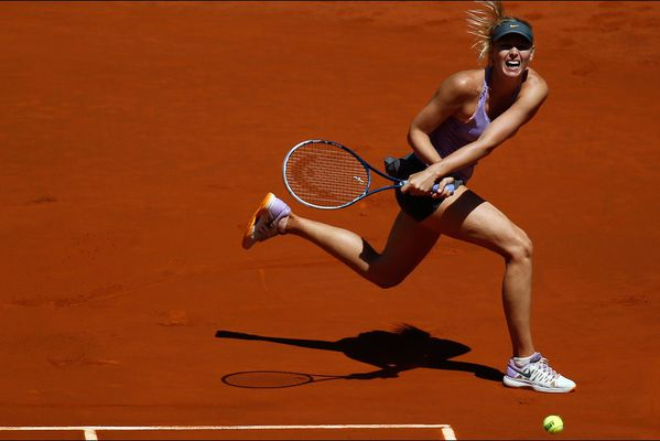 sem14maid-Z1-Marie-Sharapova-En-plein-effort-open-Madrid-te.jpg