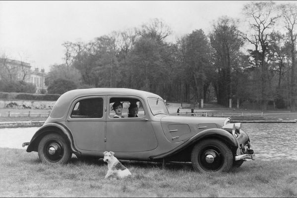 sem14maig-Z1-traction-avant-Citroen-Seance-photo-a-Versaill.jpg