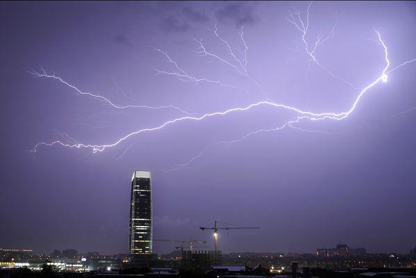 sem14maig-Z20-orage-Dans-la-nuit-Chine.jpg