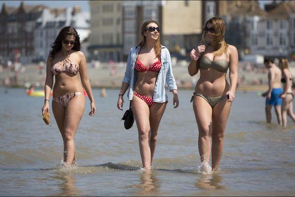 sem14maih-Z7-Les-pieds-dans-l-eau-Margate-Angleterre.jpg