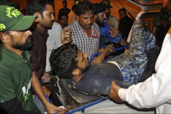 sem14juid-Z5-Attaque-meurtiere-aeroport-Karachi-Pakistan.jpg