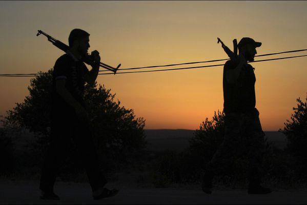 sem14julg-Z11-Silhouettes-armee-syrienne-libre.jpg