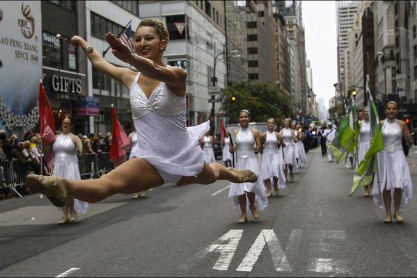 sem14octf-Z18-Parade-dansante-70e-anniversaire-Colombus-Day.jpg