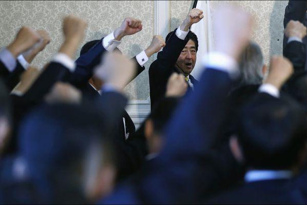 sem14novi-Z3-Motives-premier-ministre-japon-Shinzo-abe-diss.jpg