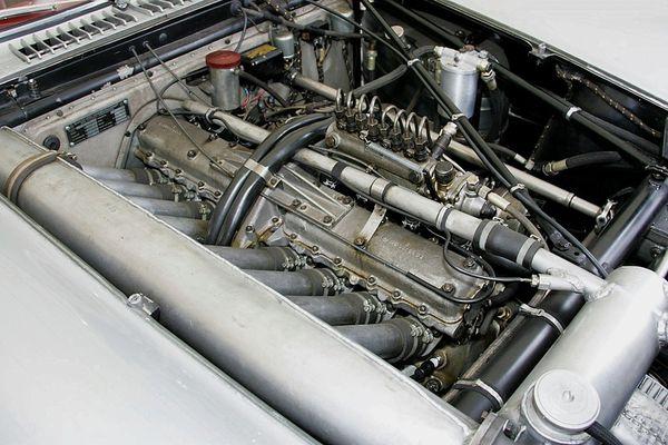 mercedes_benz_300_slr_uhlenhaut_coupe_1955_38.jpg