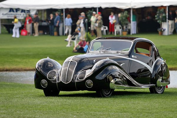 voitures de legende  79    delahaye 135 competition court