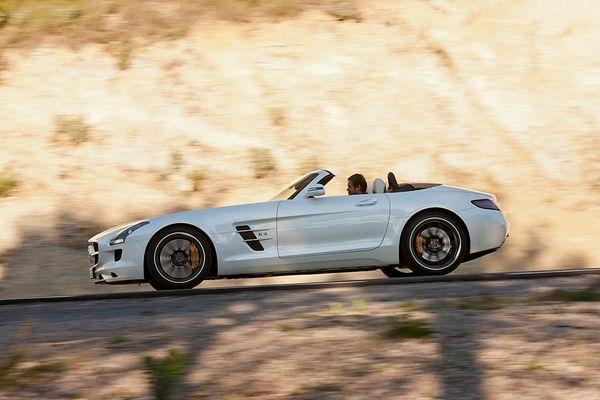 Mercedes-Benz-SLS-AMG-Roadster_800.jpg