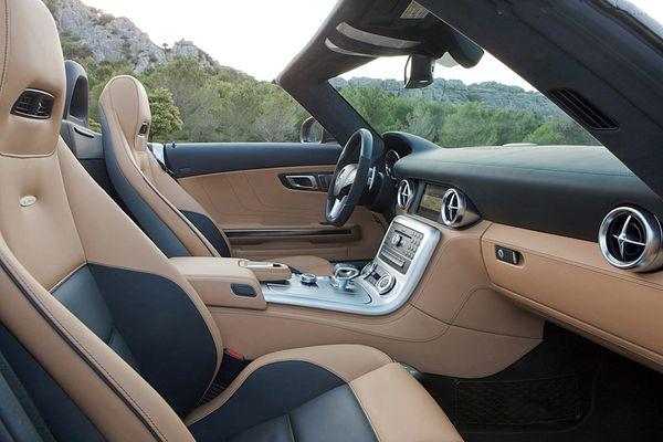 Mercedes-Benz-SLS-AMG-Roadster_1200.jpg