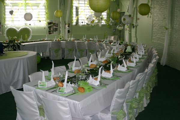 decoration table mariage vert anis blanc