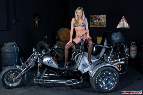 2012 biker babes blonde trike 004 www.private.com