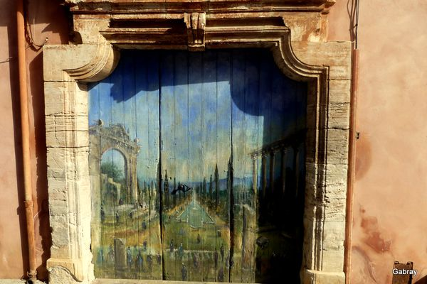 q06---Porte-peinte.JPG