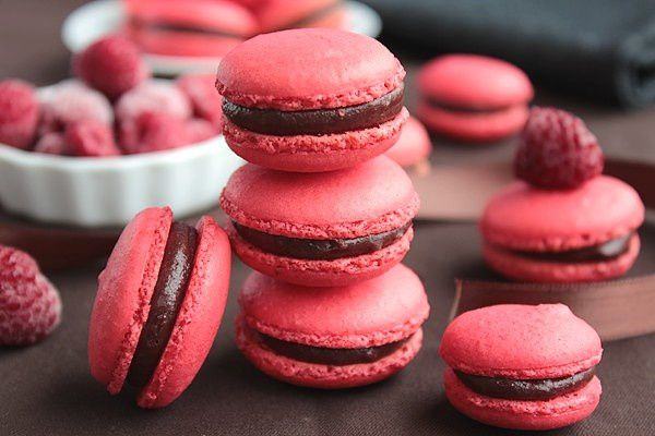 Macarons Chocolat au Lait &amp; Framboise 12