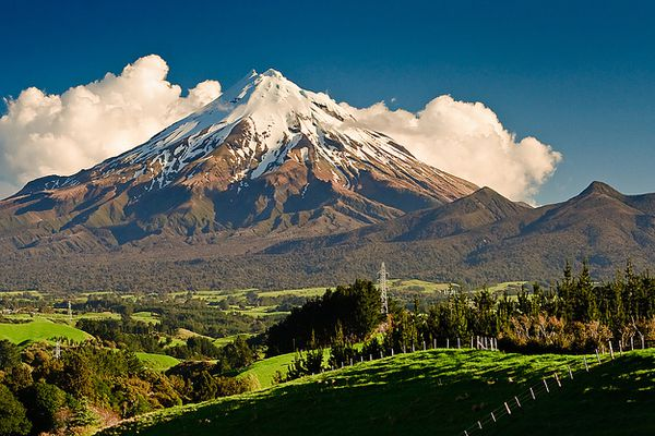 Mount_Taranaki_New_Zealand---Igraham.jpg