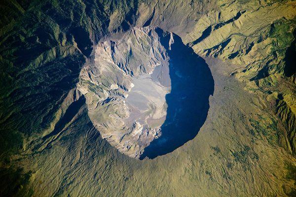 tambora-volcano-03.06.2009-Nasa-EO.jpg