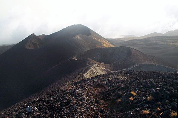 Mount Cameroon craters 2000 - ph.Amcaja