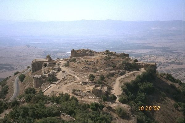 Golan----nimrod-fortress-overview----midwinter.jpg