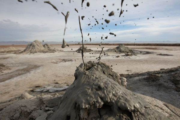 Salton-Sea-mud-volcano----SSNat.wildlife-refuge-2010---D.Mc.jpg
