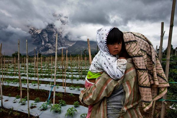 2014.01.04-Sinabung---Ulet-Ilfansas-Getty-im.jpg