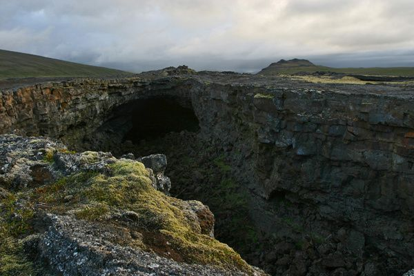 Surtshellir-cave---2---west.is.jpg