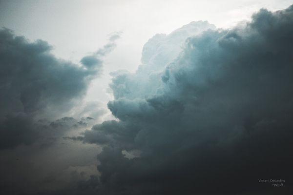 Avant l'orage, tant le ciel était sombre