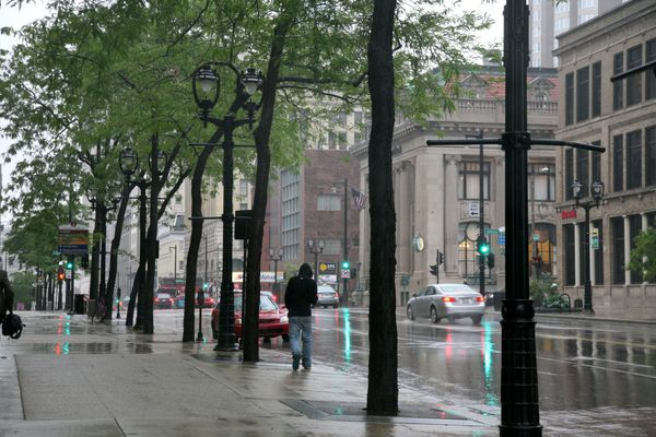 Milwaukee---Downtown---Rain 4744B