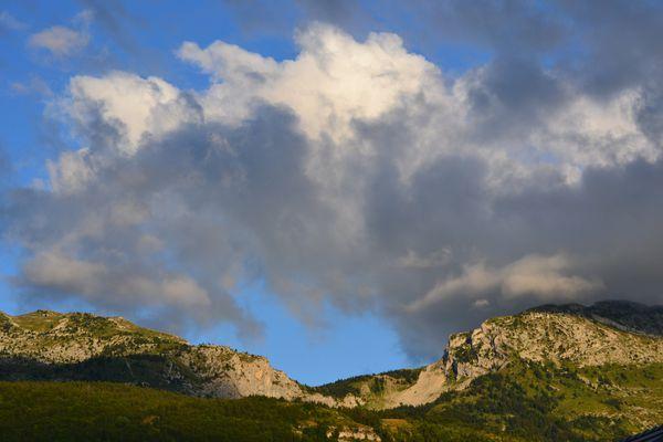 2012-08-lumiere-vue-de-la-fenetre 0567