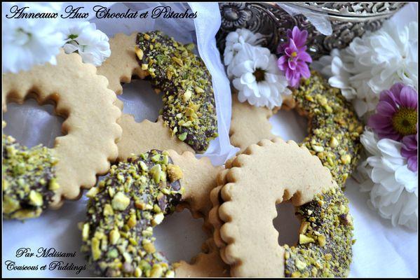 biscuits anneaux aux chocolat et pistaches