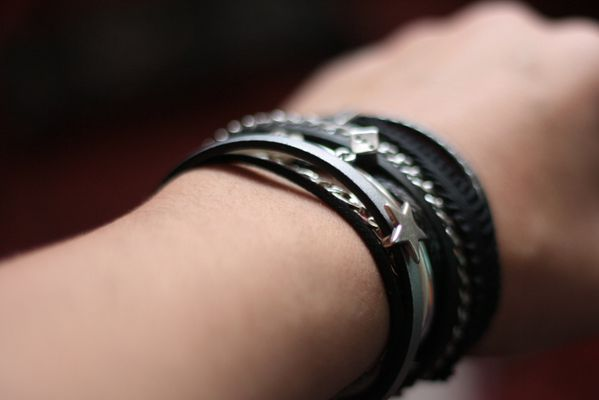 Bracelet-muliti-liens-rock-Secret-des-Anges.jpg