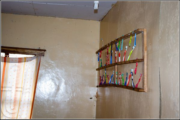 Brosse à dents de l'orphelinat de Karatu
