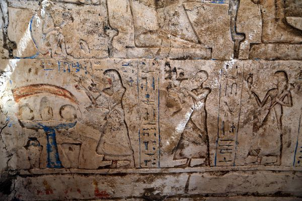 egypt_saqqara_new_tomb_discovered.jpg