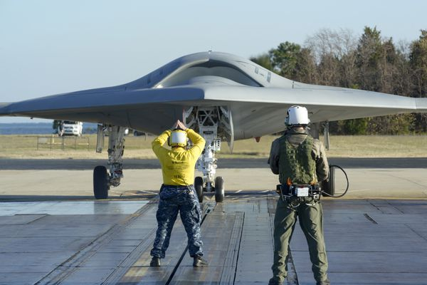 First Catapult Launch of X-47B Nov. 29, 2012