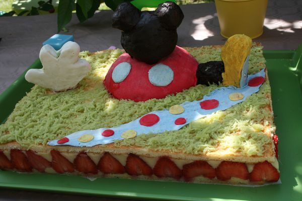 GATEAU-MICKEY.JPG