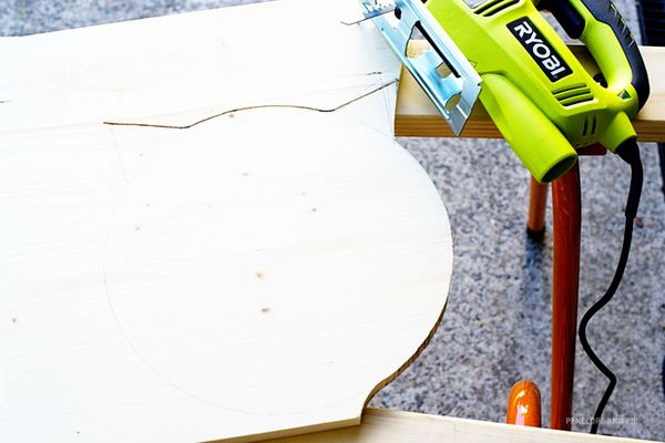 DIY-Cat-Shaped-Cutting-Board-Step-2.jpg