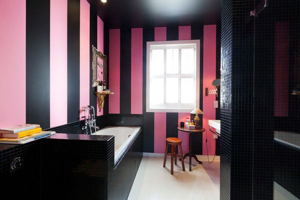 salles de bains de r ve a part a. Black Bedroom Furniture Sets. Home Design Ideas