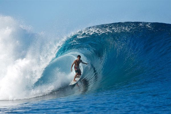 Mateia-Hiquily-surf.jpg