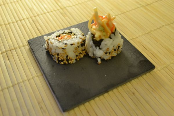 uramaki-surimi-spicy-0028.JPG