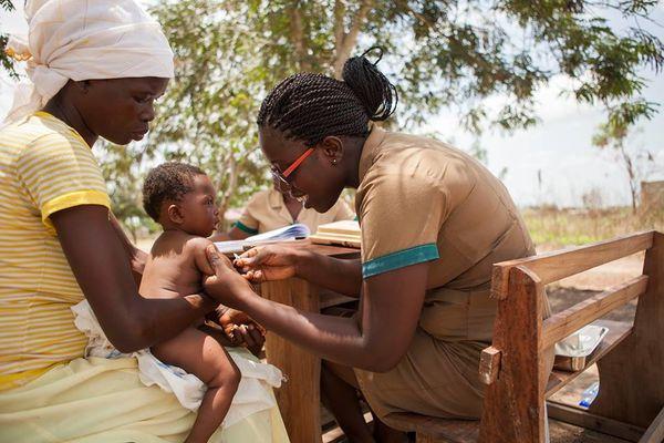 vaccination-bebe-Afrique.jpg
