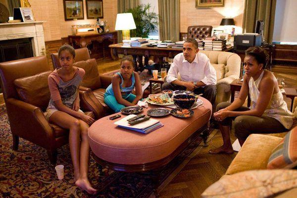 Obama-family-.-TV.jpg