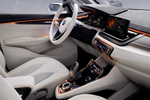 BMW-Active-Tourer-Concept-interieur.jpg
