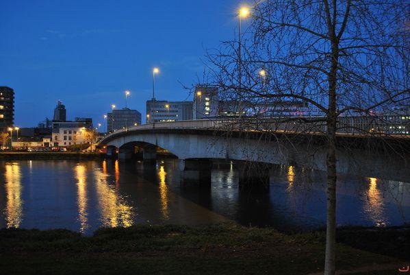 photo_de_nuit_du_pont_haudaudine.jpg