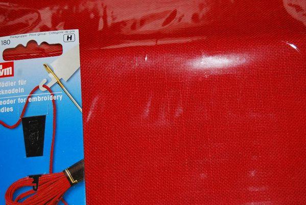 toile-rouge-noel-1.jpg